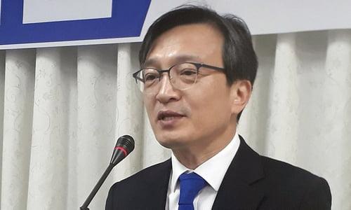 김의겸 전 청와대 대변인이 3일 총선 불출마를 선언했다. 사진=연합뉴스