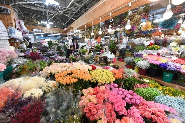 부산은행,지역 꽃시장에 활력
