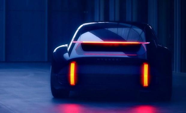 현대자동차가 새로운 EV 콘셉트카 '프로페시' 티저 이미지를 공개했다. 사진=현대자동차