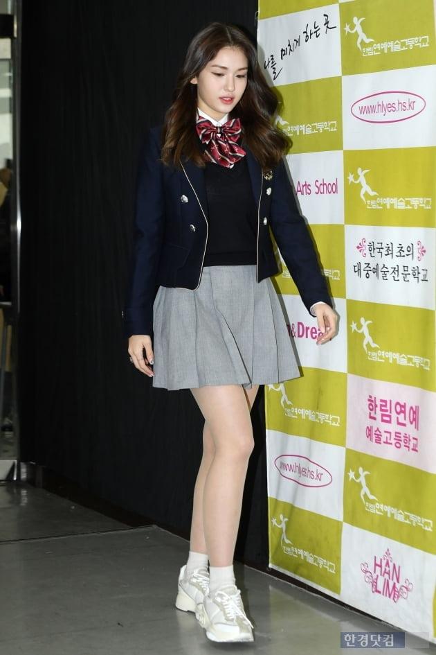 [포토] 전소미,'남다른 교복 핏'