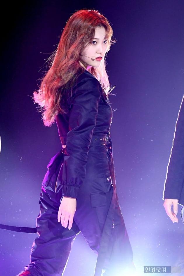 [포토] 이달의 소녀 최리, '시크한 눈빛 카리스마'
