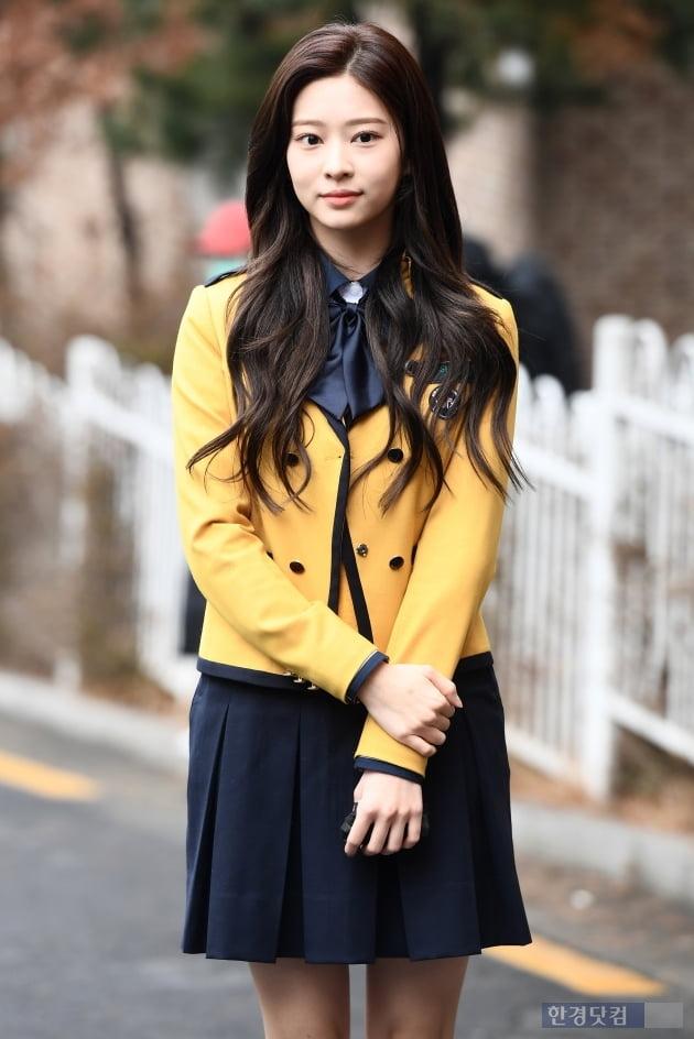 [포토] 아이즈원 김민주, '아름다운 미모 뽐내며~'