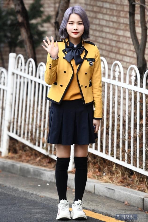 [포토] 위키미키 리나, '노란 교복 입고 깜찍하게~'