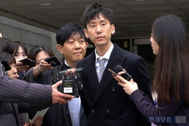 이재웅 쏘카 대표와 박재욱 VCNC 대표가 19일 서울중앙지법에서 열린 1심에서 무죄를 선고 받았다. / 사진=최혁 기자