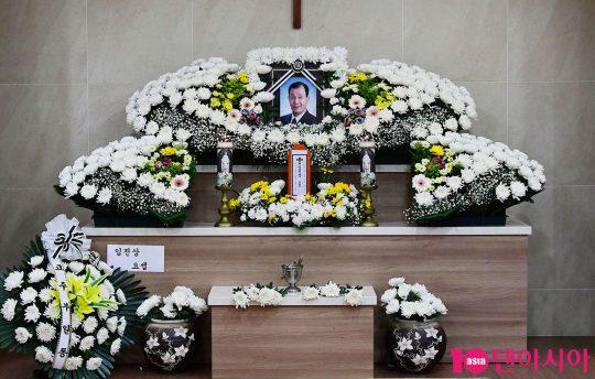 인천 연수성당 장례식장에 마련된 코미디언 임희춘 씨의 빈소
