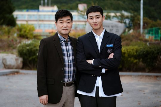 배우 손현주(왼쪽), 박서준. / 제공=JTBC '이태원 클라쓰'