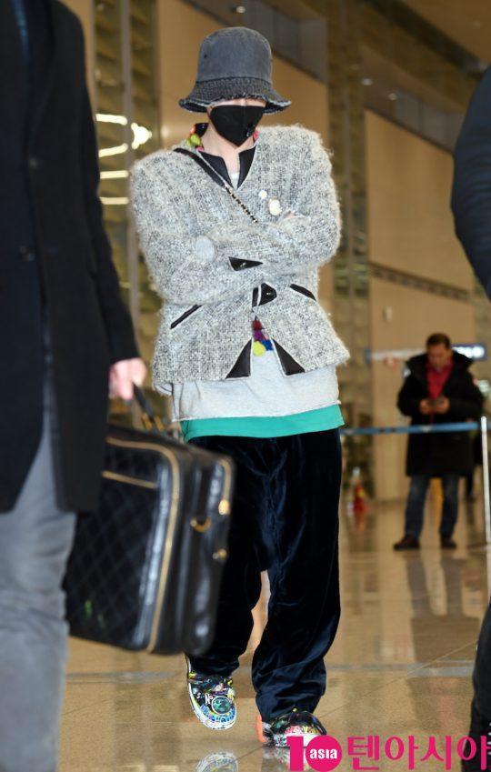 그룹 빅뱅 지드래곤이 7일 오후 미국 나이키 2020 포럼을 마치고 인천국제공항을 통해 입국하고 있다.