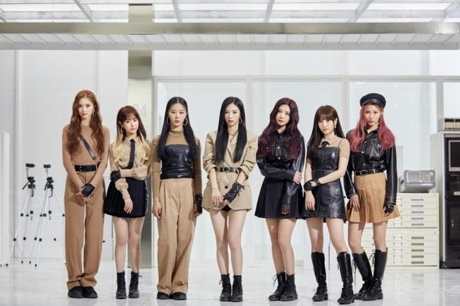 '컴백 D-DAY' 체리블렛, 신곡 '무릎을 탁 치고 (Hands Up)' 감상 포인트 3