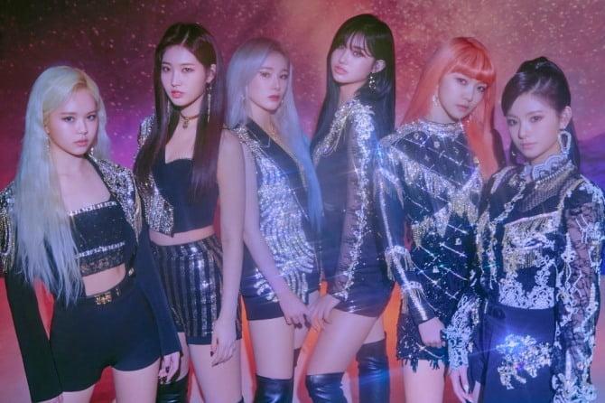 '글로벌 슈퍼루키' 에버글로우, 전 세계 K-POP 주간 유튜브 조회수 압도적 1위 '쾌거'