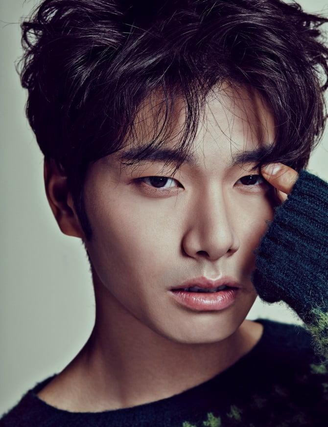 `트로트 가수 변신` 이이경, 20일 신곡 `칼퇴근` 발매