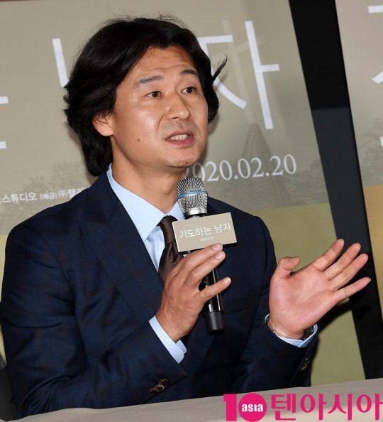 배우 박혁권이 13일 오후 서울 자양동 롯데시네마 건대입구점에서 열린 영화 '기도하는 남자' 언론시사회에 참석하고 있다.