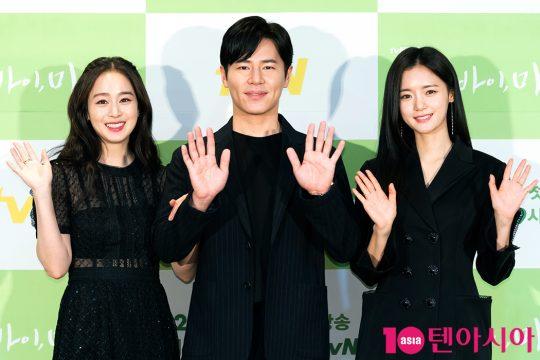 배우 김태희(왼쪽부터), 이규형, 고보결./사진제공=tvN