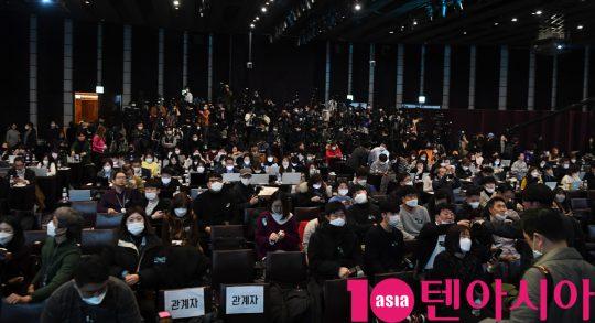 [TEN 현장] '기생충' 기자회견, 250개 매체·500여 명 취재진···외신까지 '역대급'