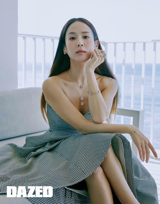 """조여정 """"봉준호 감독과 코드 잘 맞았다""""...우아+러블리 매력[화보]"""