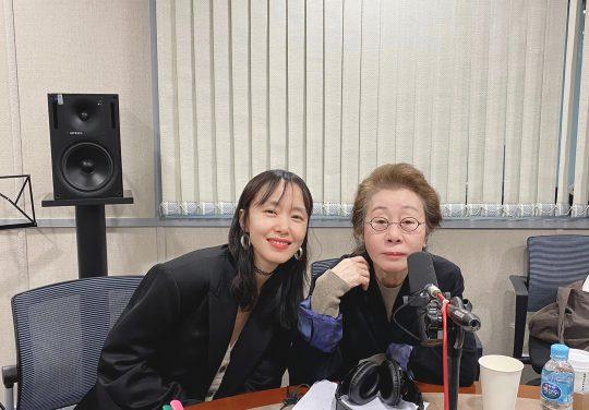 영화 '지푸라기라도 잡고 싶은 짐승들'의 전도연, 윤여정이 SBS 파워FM '최화정의 파워타임'(이하 '최파타')에 출연한다. /사진제공=메가박스중앙㈜플러스엠