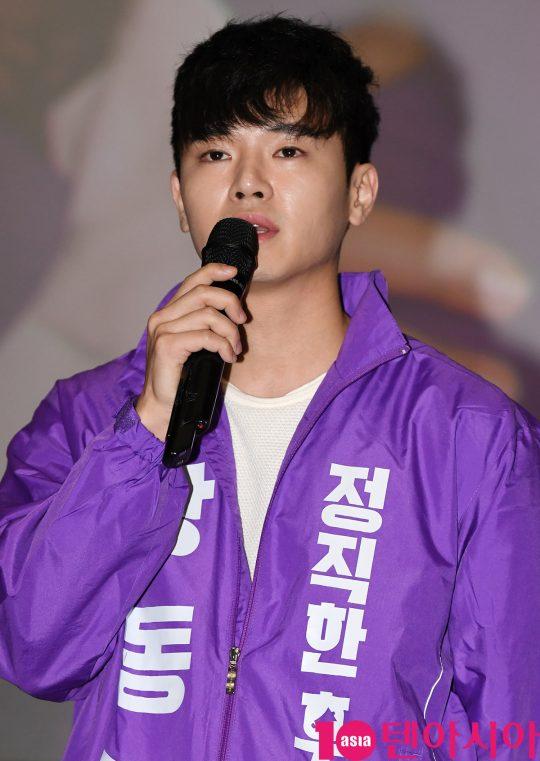 배우 장동주가 22일 오후 서울 방화동 롯데시네마 김포공항점에서 열린 영화 '정직한 후보' 무대인사에 참석하고 있다.