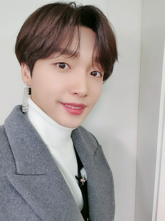 `싱어송라이돌` 정세운, 신규 예능 프로그램 `맨땅에 한국말` MC로 출격