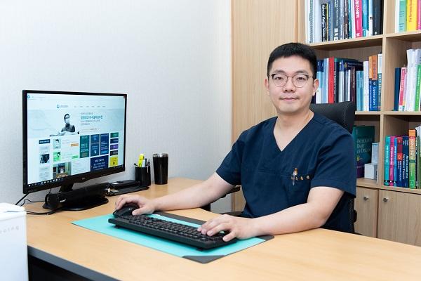 [2020 한국소비자만족지수 1위] 4명의 의료진 정형외과, 인천터미널정형외과의원