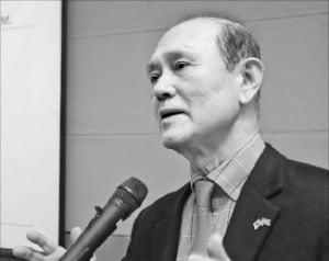 """""""운용 독립성 없는 스튜어드십코드…국민연금 '연금사회주의' 부추긴다"""""""