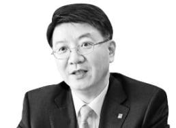 [마켓인사이트] 잘나가던 EY한영에 무슨 일?…대표 중도 퇴진에 '술렁'