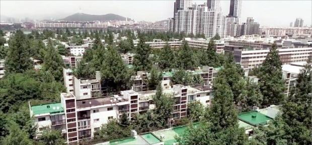 작년 대비 공시지가가 18.4% 오른 서울 서초구 반포주공 1단지 3주구.  /한경DB