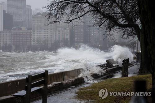 시카고시장, FEMA에 미시간호 주변 재난지역 선포 요청