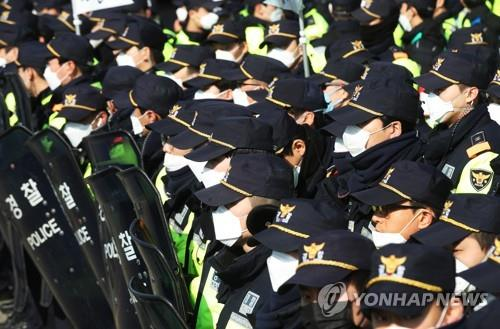 """""""故문중원 기수 진상규명""""…민주노총, 마사회서 집회"""