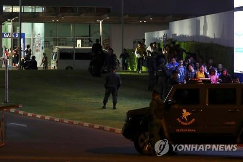 태국 쇼핑몰서 군인 총기난사 최소 21명 사망…한국인 8명 대피