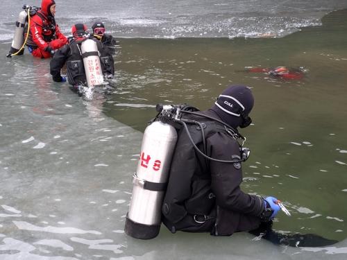 방심하다 '풍덩'…강원소방, 해빙기 안전사고 대책 마련