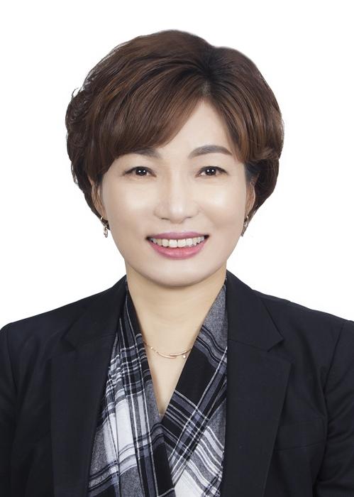 시각장애 딛고 조선대 박사학위…서미화 전 목포시의원