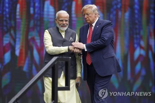 트럼프 맞는 인도, 무역·군사협력 강화 추진…중국 견제 한뜻