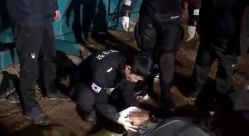 인천 앞바다 바지선서 40대 근로자 추락해 부상