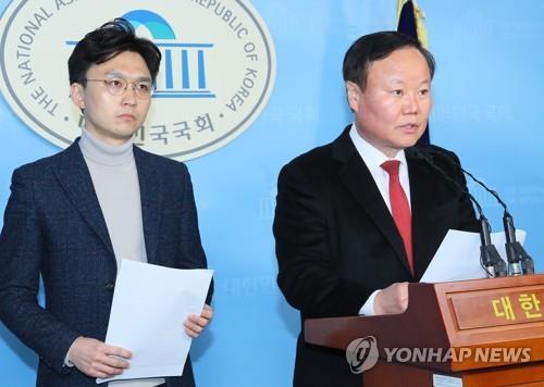 """미래통합당 """"군인 정년 60세로·현역병 매달 2박3일 외박""""(종합)"""