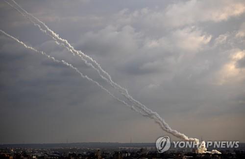 """이스라엘, 팔레스타인 가자지구 무장조직 공습…""""로켓포에 대응"""""""