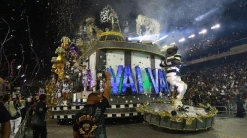 코로나19 우려에도 브라질 카니발에 역대 최대 인파 몰려