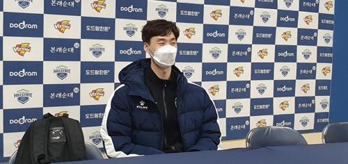 """'개인 시즌 최다 36점' 박철우 """"코로나19, 빨리 극복하기를"""""""