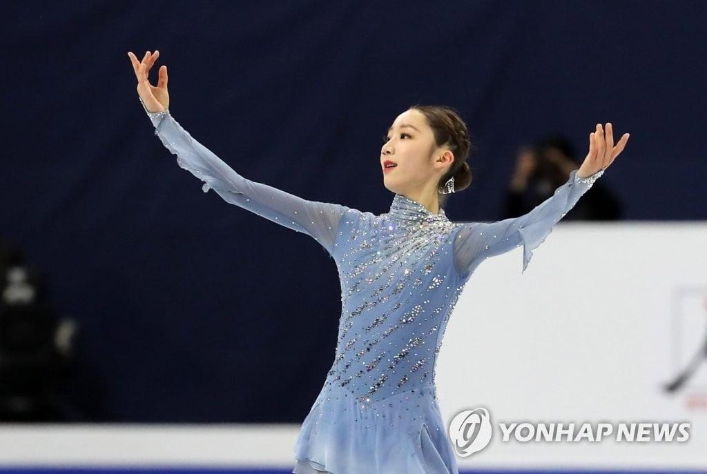 유영, 4대륙 피겨 은메달…김연아 이후 11년만