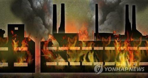 [속보] 칠곡 영농법인 공장서 대형 화재…`대응 1단계` 발령