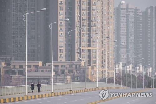 """우한 현지교민 """"코로나19, 사스보다 무섭다…저금리 융자라도"""""""
