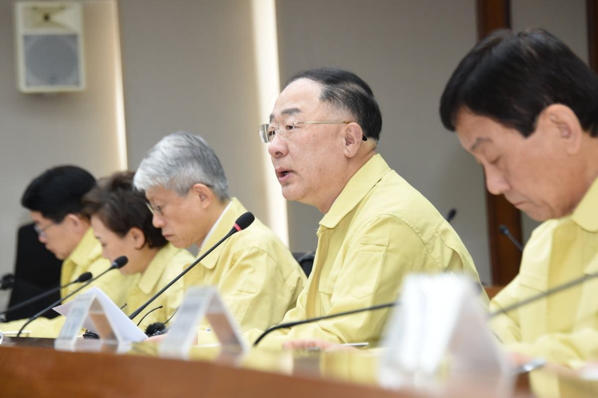 코로나19 예비비 50억원 추가 투입... 中 유학생 관리에 42억원