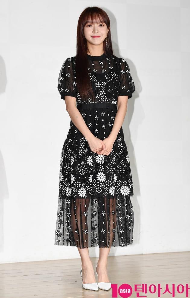 [TEN 포토] 네이처 소희 '우아한 시스루'