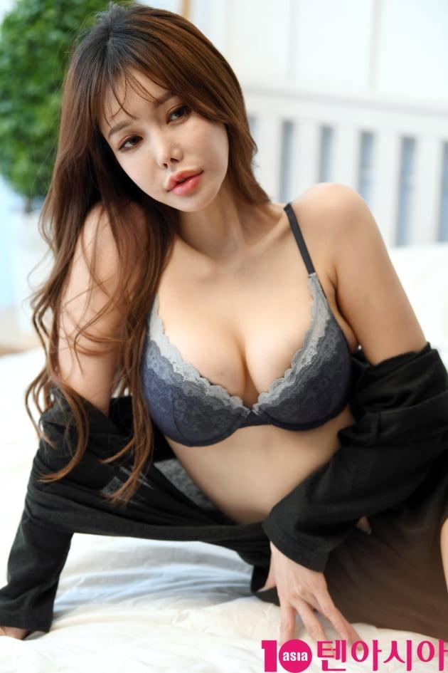[TEN 포토] 모델 김시후 '청순미에서 섹시미까지 백만불 포즈'(화보)