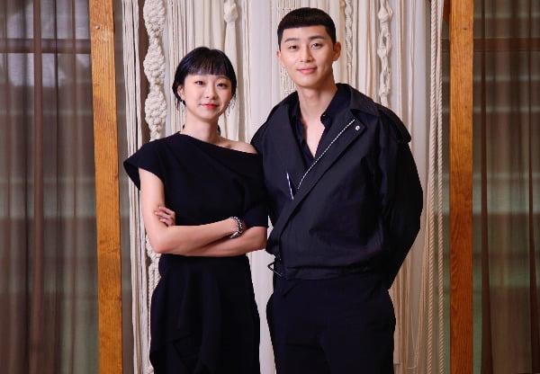 배우 박서준(왼쪽), 김다미가 28일 오후 열린 JTBC 금토드라마 '이태원 클라쓰'에 참석했다.사진제공=JTBC