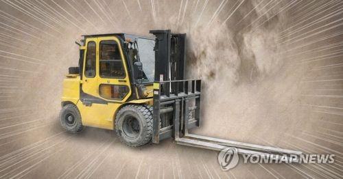 인천 철강공장서 지게차에 치인 60대 운송업자 숨져