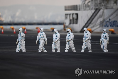 """홍콩 전문가 """"신종코로나, 방치하면 인류 60% 감염될 수도"""""""
