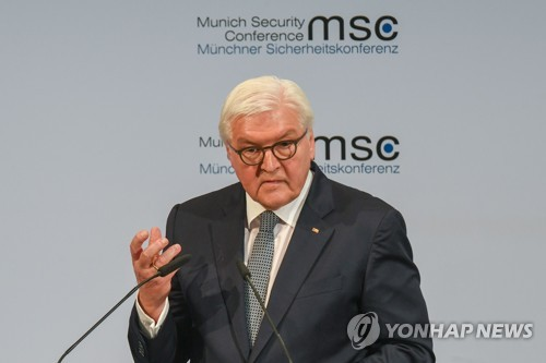 """독일 대통령, 미국 우선주의 비판…""""암울한 시대로 향해"""""""