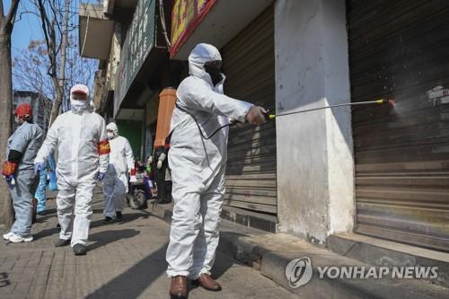 中 후베이 일부 지역 '전시통제'…전체 주거단지 14일간 폐쇄