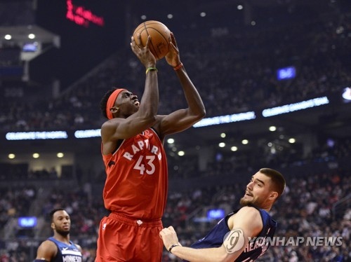 NBA 레이커스, 피닉스 꺾고 홈경기 부진 탈출(종합)