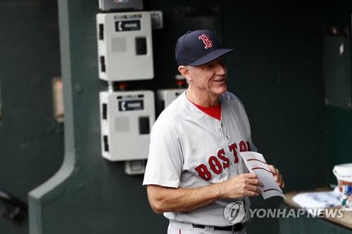 MLB 보스턴, 레니키 벤치코치 '임시 감독' 선임