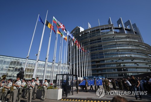 EU, 영국 공백 속 예산 전쟁 예고